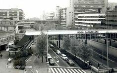 Utrecht: De Catharijnebaan bij winkelcentrum Hoog Catharijne omstreeks 1984