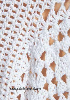 crochet kingdom (E.H): Original White Poncho ! Crochet Video, Hand Crochet, Knit Crochet, Crochet Hats, Crochet Necklace Pattern, White Poncho, Modern Crochet, Loose Tops, Crochet Cardigan