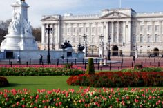 Buckingham Palace  Top 8 Best #London Sightseeing Places  #placestovisit #London_sightseeing_places #londonguides