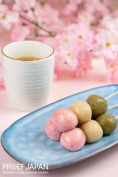 Recept: Lente rijstcakejes (hanami dango) | Proef Japan Edamame, Matcha, Tofu, Yummy Food, Desserts, Snacks, Fruit, Seeds, Tailgate Desserts