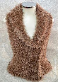 Tricô&Afins: Colete Super Fácil Bege Crochet Designs, Knitting Designs, Knitting Patterns, Crochet Jacket, Knit Jacket, Crochet Girls, Diy Crochet, Vest Pattern, Knitting Accessories