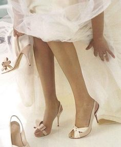 Tulle and Pale Pink Satin...<3<3