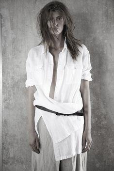 Ivan Grundahl vår 17 White Shirts, Solitude, Shirt Blouses, Shirt Style, Short Sleeve Dresses, Trends, Black And White, My Style, Creative
