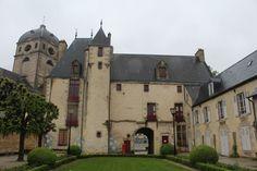 Alençon, maison d'Ozé Cette demeure du XVème siècle aurait abrité le futur roi Henri IV en 1576.