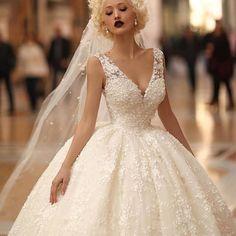 Photo by @endritmertiri  .  .  #weddingdress #weddinggown #bride #weddings #engaged #bridesmaids #gown #burberry #valentino #chloe #dior #california #weddingideas #newyork #newcollection #perfectday #princess #fashion #couture #girls #webstagram #sanfrancisco #...