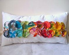 DIY: cojines con círculos de tela de colores