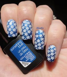 nails.quenalbertini: Show your patriotic side with star nailart BMH25