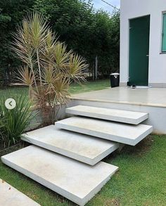 Landscape Stairs, Landscape Design, Modern Landscaping, Front Yard Landscaping, Outside Stairs, Outdoor Steps, Concrete Stairs, Exterior Stairs, Front Yard Design