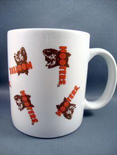 Hooters-Owl-Logo-Tea-Coffee-Cup-Mug-Hootie-the-Owl