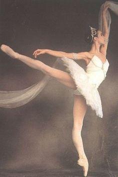 Sylvie Guillem.  Ballet beautie, sur les pointes !