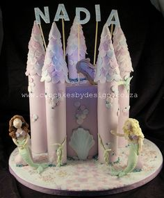 https://flic.kr/p/8aWMtf | Nadia's under the sea castle cake | I made this cake for a sweet little girl turning 6! It's a really tall 15cm cake! Very bad photo..sorry!! Have a good one!! Dot♥
