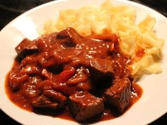 Brauhaus goulash by aasoeckchen Meat Appetizers, Appetizers For Party, Simple Appetizers, Goulash, Baby Food Recipes, Meat Recipes, Most Popular Recipes, Favorite Recipes, How To Cook Pasta