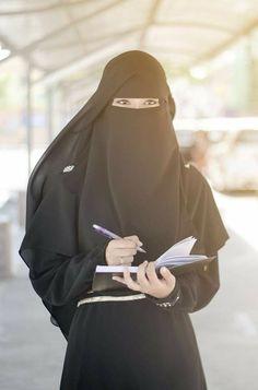 Musa Akkaya, Has Olan Tesettür Niqab Fashion, Modest Fashion Hijab, Casual Hijab Outfit, Hijab Chic, Beautiful Muslim Women, Beautiful Hijab, Hijabi Girl, Girl Hijab, Hijab Style Tutorial