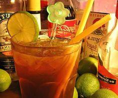 Nonostante il nome romantico questo #cocktail è decisamente robusto sotto il profilo alcoolico.  #Longisland Tea