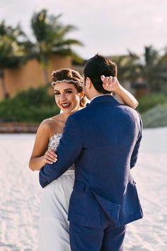 Yas look as a model for a Bridal magazine just as a princess !  Congratulations !  #BridalHairstyle by @natachavoevolution #BridalMakeup by @k_degaray.makeup for Vo Evolution @voevolution #WeddingPlanner :  @mango_weddings