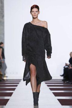 Yiqing Yin Couture Spring Summer 2015 Paris - NOWFASHION
