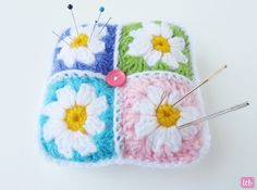 Little Things Blogged: {Daisy Granny Square Pincushion}