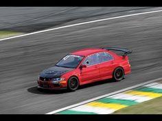 Mitsubishi Evolution apavora a 300 km/h em Interlagos