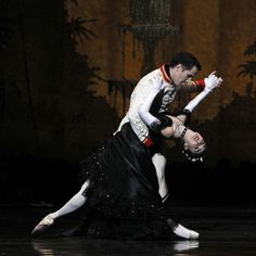 Robert Curran and Kirsty Martin in The Merry Widow. The Australian Ballet.