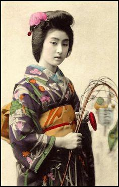 vintage everyday: Beautiful Portraits of a Popular Tokyo Geisha of 100 Years Ago
