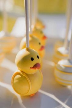 Rubber Ducky Party, Rubber Ducky Birthday, Rubber Ducky Baby Shower, Baby Shower Duck, Baby Shower Vintage, Boy Baby Shower Themes, Baby Shower Parties, Baby Shower Desserts, Baby Shower Cookies