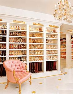 "os melhores closets | Don't give me a diamond, just give me a big closet."" Carry Bradshaw ..."