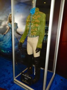 Prince Charming costume Designed by Sandy Powell Cinderella Cosplay, Cinderella Prince, Cinderella Movie, Cinderella And Prince Charming, Prince Charming Costume, Cinderella Disney, Walt Disney, Richard Madden, Lily James