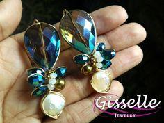 Cristales en azul metalico con perla