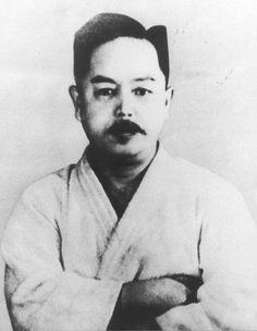 Kenwa Mabuni (November 14, 1889 - May 23, 1952)    #martialarts #karate