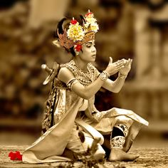 Balinese dance ॐ Bali Floating Leaf Eco-Retreat ॐ http://balifloatingleaf.com ॐ
