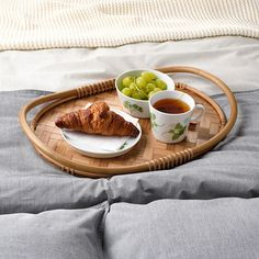 VÅRFINT - 托盤, 竹   IKEA 線上購物 Rattan, Ikea Armchair, Ikea Montessori, Sandwich Platter, Ikea New, Fast Growing, Serving Platters, Serveware, Natural Materials