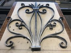 Wrought Iron Stair Railing, Wrought Iron Decor, Wrought Iron Gates, Metal Projects, Metal Crafts, Metal Bender, Door Gate Design, Blacksmith Projects, Steel Art