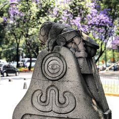 Chapu . . . . #stonestatue #cricket #chapultepec #park #cdmx #mexico #wanderlust