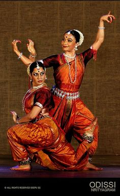 Dance Paintings, Indian Art Paintings, Folk Dance, Dance Art, Indian Classical Dance, Indian Textiles, Indian Heritage, Dance Poses, Dance Photography
