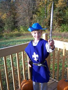 No-Sew Knight's Tunic: Easy, Low-Cost, Costume Piece for Boys | A Stitchy Situation