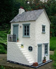 Julie's dolls house blog: 1/12th Scale 'Smuggler's Cottage'