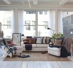 Lexington Fall Livingroom. Jag har alltid (sedan Lexingtons start) varit helt såld på Lexingtons textilier. Jag vill ha allt. Lägenheten också. ;-)