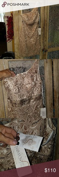 NWT..  SUE WONG BEADED ONE SHOULDER DRESS...6 Absolutely incredibly gorgeous dress.   Brand new with tags.   What a deal Sue Wong Dresses One Shoulder