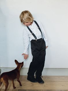 These pleated trousers are not only popular with the parents – because they look as dressy as men's trousers and also a hit with the boys. The stretch fabric allows ease for movement and make these trousers extra comfortable. They look good turned up too, for a more casual look.