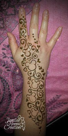 Disney Henna, New Tattoos, Hand Tattoos, Flower Tattoos, Tatoos, Mickey Mouse Tattoos, Disney Tattoos, Hidden Mickey Tattoo, Henna Tattoo Designs