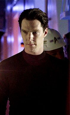Gif of Benedict taking direction from JJ Abrams on Star Trek: Into Darkness. He looks so intent.