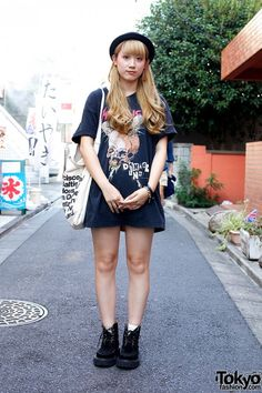 Blonde Harajuku Girl in Metallica T-Shirt & RNA Creepers