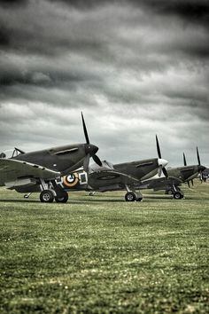 "oheyace: ""Spitfires lined up ready to go "" The Sorrows of Gin. Spitfire Supermarine, Ww2 Spitfire, Spitfire Airplane, Ww2 Aircraft, Fighter Aircraft, Military Aircraft, Fighter Jets, Hermanos Wright, The Spitfires"