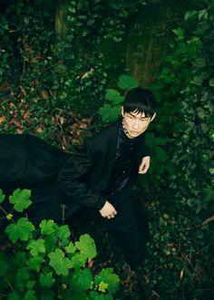 Artistic Fashion Photography, Fashion Photography Inspiration, Photoshoot Inspiration, Woods Photography, Portrait Photography, Editorial Photography, Sang Woo Kim, Botanical Fashion, Forest Fashion
