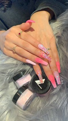 50 Glittering Acrylic Nail Designs for Long and Medium-Length Nails coffin nails, Long nails, nails, nails acrylic, nail Aycrlic Nails, Bling Nails, Stiletto Nails, Pink Sparkle Nails, Perfect Nails, Gorgeous Nails, Pretty Nails, Nagel Tattoo, Nagel Bling
