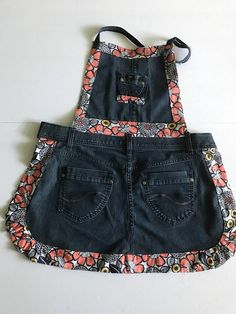 Sewing Aprons, Sewing Clothes, Diy Clothes, Jean Crafts, Denim Crafts, Artisanats Denim, Denim Bag Patterns, Jean Apron, Denim Decor