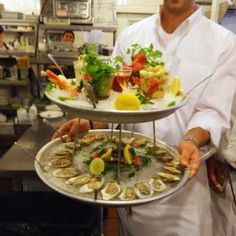 Love their seafood platter and pasta Bolognaise! Healthy Cooking, Healthy Dinner Recipes, Appetizer Recipes, Food Network Uk, Food Network Recipes, Seafood Dinner, Dinner Menu, Gourmet Desserts, Gourmet Recipes