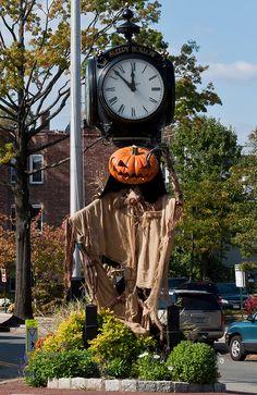 Halloween in Sleepy Hollow, NY by austinNYC Halloween House, Fall Halloween, Happy Halloween, Halloween Party, Haunted Halloween, Sleepy Hollow Headless Horseman, Legend Of Sleepy Hollow, Weird Shapes, Warm Autumn