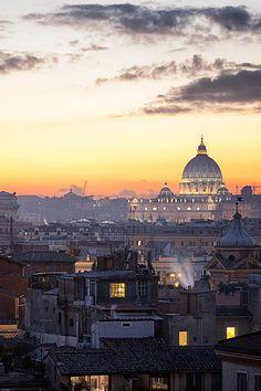 Clouds landing (Vatican Sunset) by Emanuele Serraino