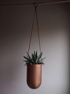 Copper Grande Balle hanging metal succulent planter op Etsy, 29,70€